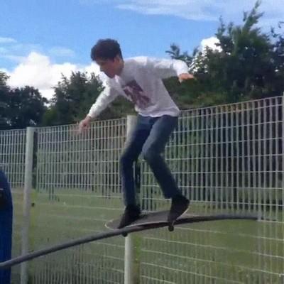 Enlace a Seguro que no vuelve a intentar un truco con el skate