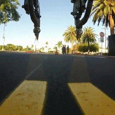 Enlace a Así se pintan las líneas de las carreteras