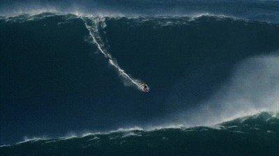 Enlace a Surfeando en la ola más espectacular que nunca se ha grabado