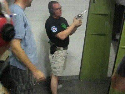 Enlace a Instructores de armas que la lían bastante...
