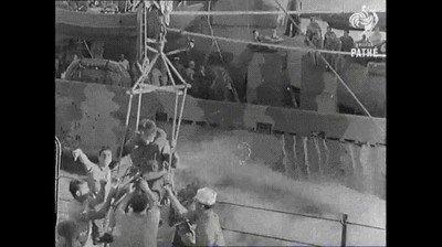Enlace a Así se transportaba a la gente de barco a barco