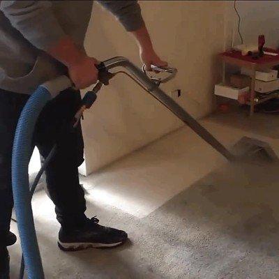 Enlace a El gustazo que da limpiar una alfombra sucia con vapor