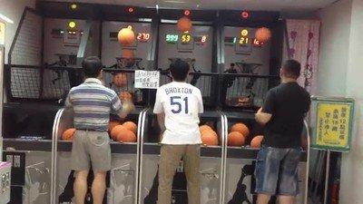 Enlace a Hay tres tipos de persona que juega con sus pelotas