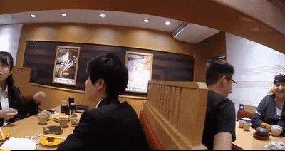 Enlace a Cuando tienes la genial idea de poner una cámara en un restaurante rotatorio