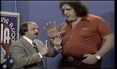 Enlace a El increíble tamaño de las manos de Andre el Gigante