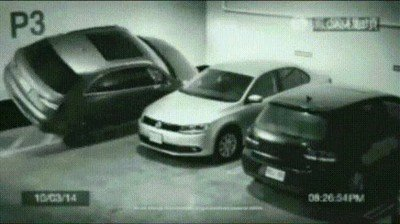 Enlace a Gente que siempre encuentra sitio para aparcar