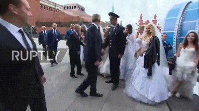 Enlace a El sueño de toda chica rusa es casarse con Putin
