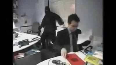 Enlace a El típico ninja de oficina que te esconde los informes a última hora