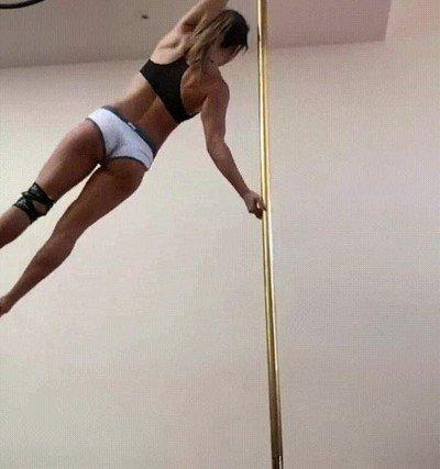 Enlace a Así se ve a una maestra del Pole-dancing en cámara lenta