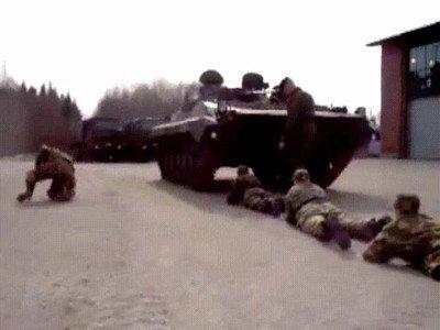 Enlace a En el ejército hay que practicar todos los movimientos posibles