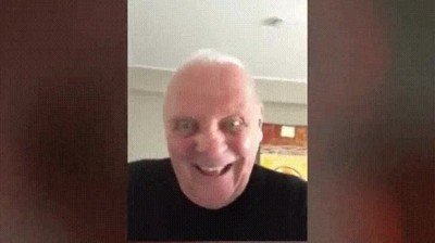 Enlace a Anthony Hopkins pone los pelos de punta con un bizarro y alocado vídeo bailando