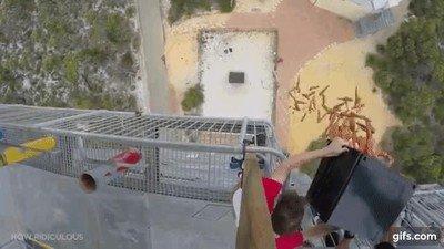 Enlace a Tirando zanahorias a un trampolín desde una torre