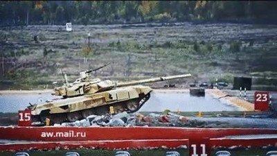 Enlace a ¿Habías visto alguna vez un tanque disparando mientras está en el aire?