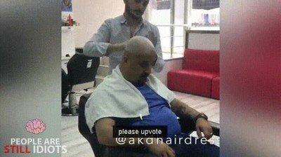 Enlace a Cuando decides darle un susto de muerte al peluquero
