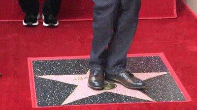 Enlace a Snoop-Dogg bailando sobre su propia estrella