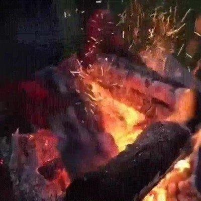 Enlace a Unos guantes capaces de resistir el calor de cualquier barbacoa