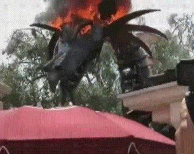 Enlace a Un dragón que da bastante mal rollo de lo bien hecho que está