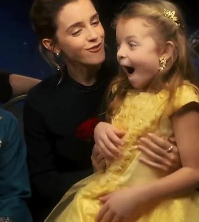 Enlace a La felicidad de una niña al conocer por fin a Emma Watson