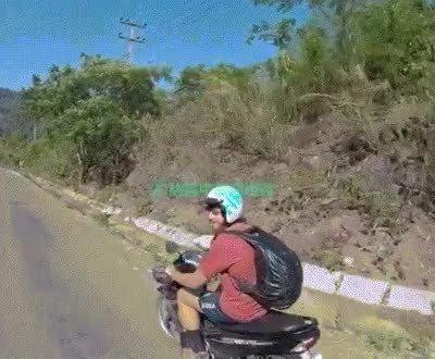 Enlace a Debería estar prohibido hacer estas cosas en la carretera
