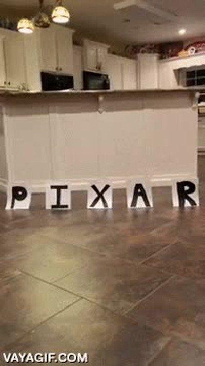Enlace a Genial la nueva intro de Pixar