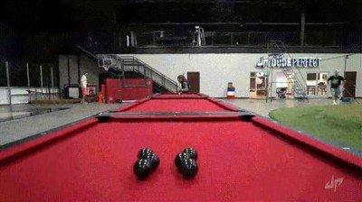Enlace a Este truco con tres mesas de billar es sencillamente de locos