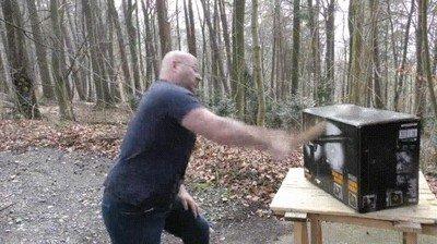 Enlace a ¿Quién iba a pensar que una espada de madera era tan efectiva?