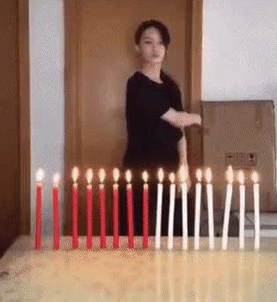 Enlace a Cómo apagar 16 velas con un simple movimiento