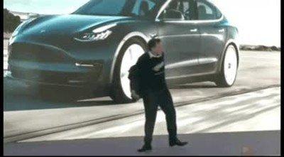 Enlace a El día que Elon Musk se retire podrá dedicarse a su gran pasión: bailar
