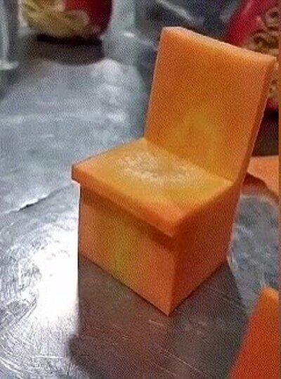 Enlace a Así se crea una silla solo con una zanahoria y un cuchillo