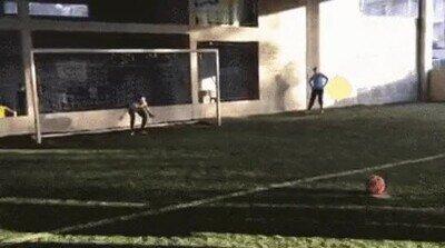 Enlace a A partir de ese día decidió no jugar a fútbol nunca más