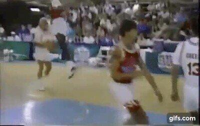 Enlace a Kenny Rogers humillando a Michael Jordan