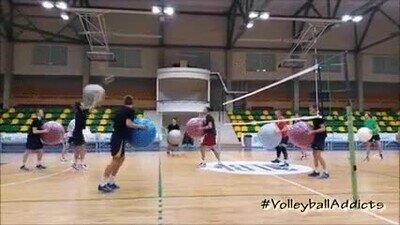 Enlace a Volleyball con bolas medicinales
