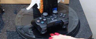 Enlace a Un gato jugando a Portal en una PS2