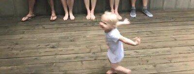 Enlace a Niños que han empezado a correr como lo hace Naruto