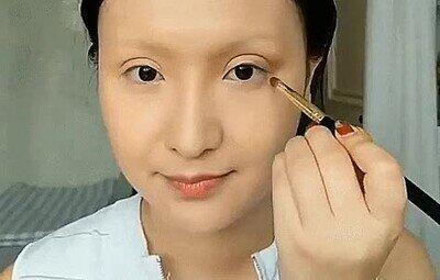 Enlace a Es capaz de convertirse en pinturas famosas solo con maquillaje