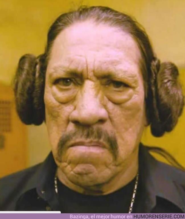 8493 - Cuando tienes que taparte las orejas para no escuchar ningún spoiler de Rogue One