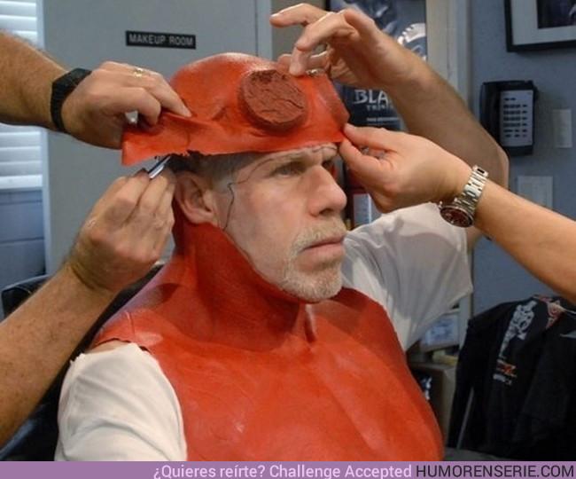 15348 - Ron Perlman convirtiéndose en Hellboy