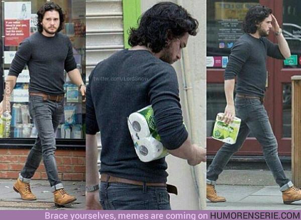 18496 - Cuando no puedes comprar papel de WC sin que te cacen los paparazzi xD