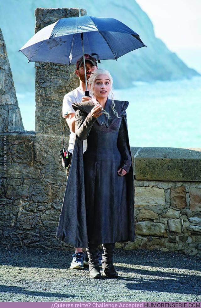 19324 - Daenerys Targaryen. Madre de Dragones. La que no se moja.