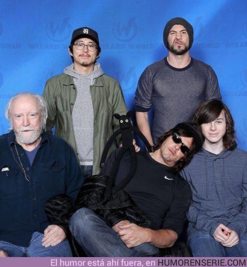 21070 - Norman rodeado de fantasmas