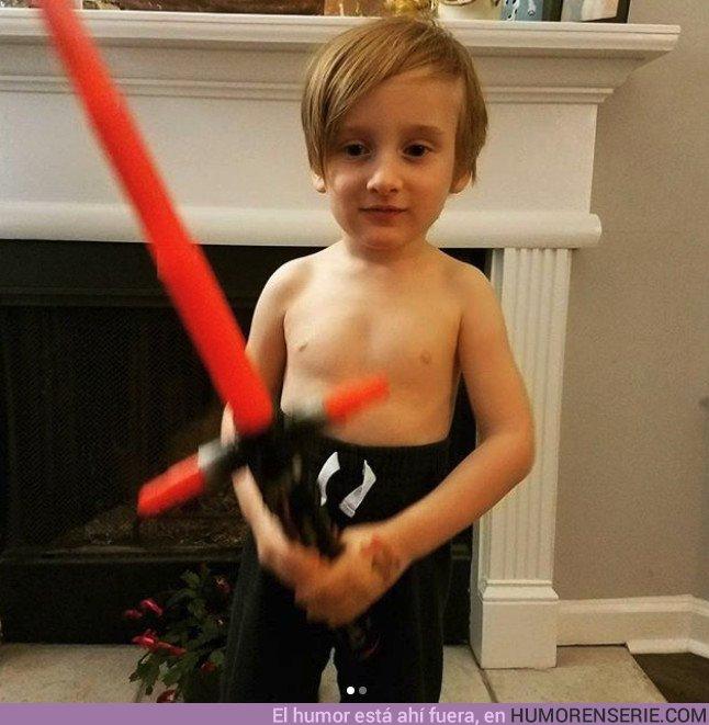 21315 - El torso desnudo de Kylo Ren se vuelve viral y le salen un montón de imitadores
