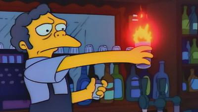 32571 - Dos adolescentes intentan hacer el flameado de Moe en casa y acaba en drama