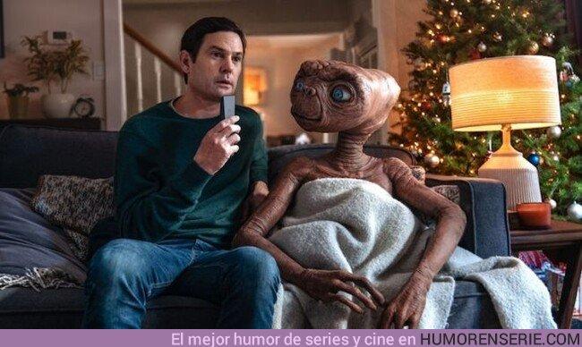 44511 - Una foto para la historia. Elliot y E.T juntos 37 años después