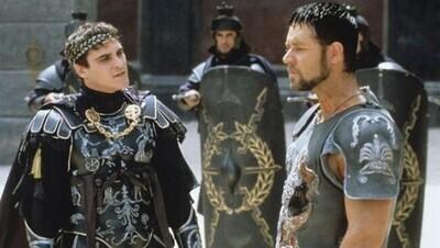 47343 - Así ha felicitado Russell Crowe a Joaquin Phoenix por el Oscar