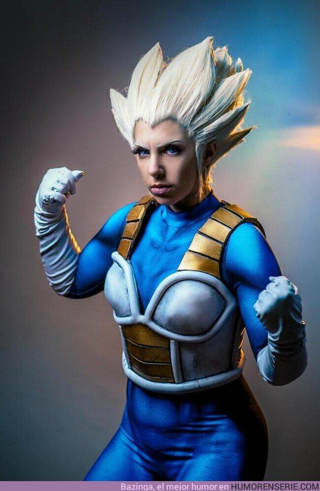48344 - Este cosplay femenino de Vegeta llenaría de orgullo al príncipe de los Saiyan