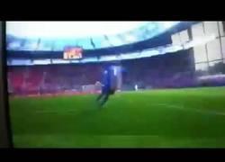 Enlace a Fail de Peter Cech ante Grecia, esto no lo hacía frente al Barça