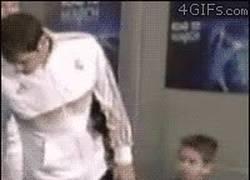 Enlace a Casillas, no nos la líes en el túnel de vestuario