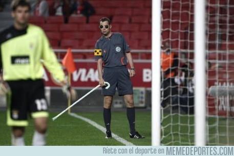4070 - Instantánea del árbitro en el momento del #roboaucrania