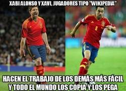 Enlace a Xabi Alonso y Xavi