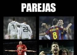 Enlace a El fútbol va de parejas